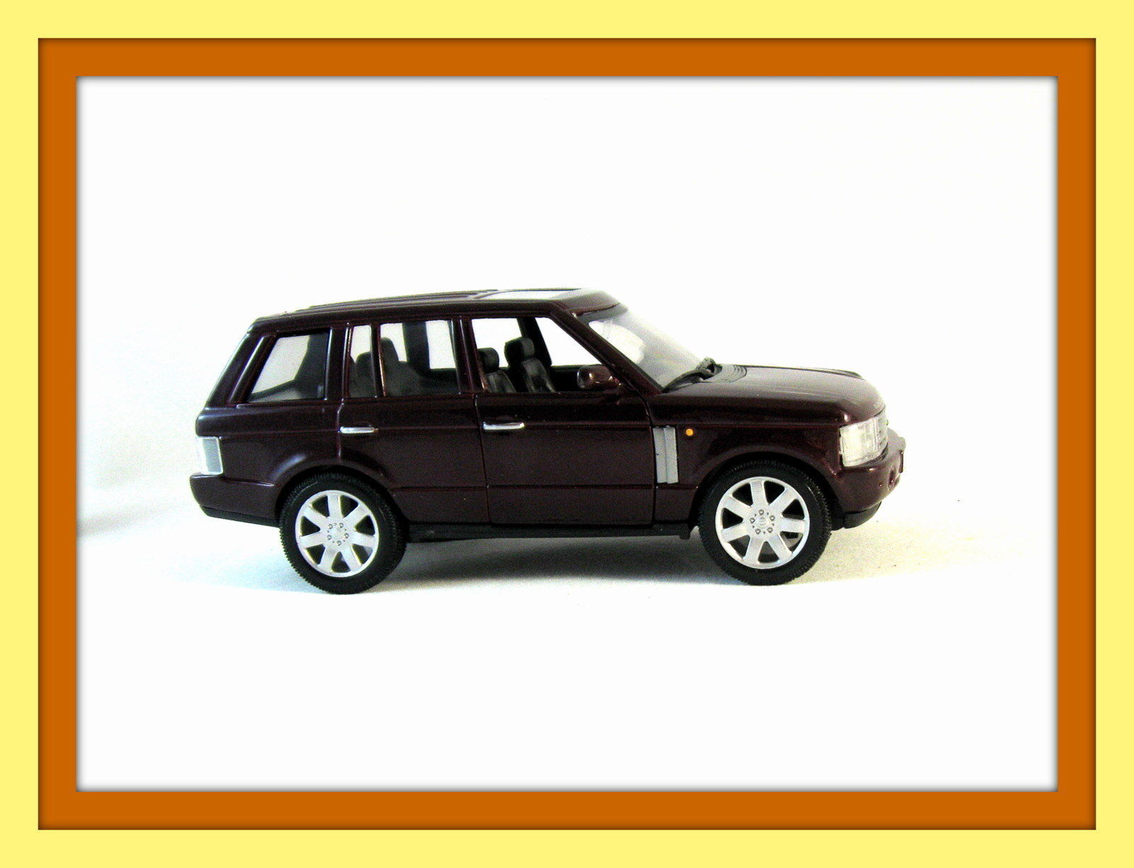 land rover range rover bordeaux welly 1 32 diecast car model collectible new contemporary. Black Bedroom Furniture Sets. Home Design Ideas
