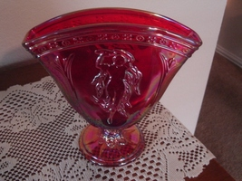 Fenton FFOGKC 2007 Ruby Red Carnival Dancing Ladies Fan Vase LE  - $39.95