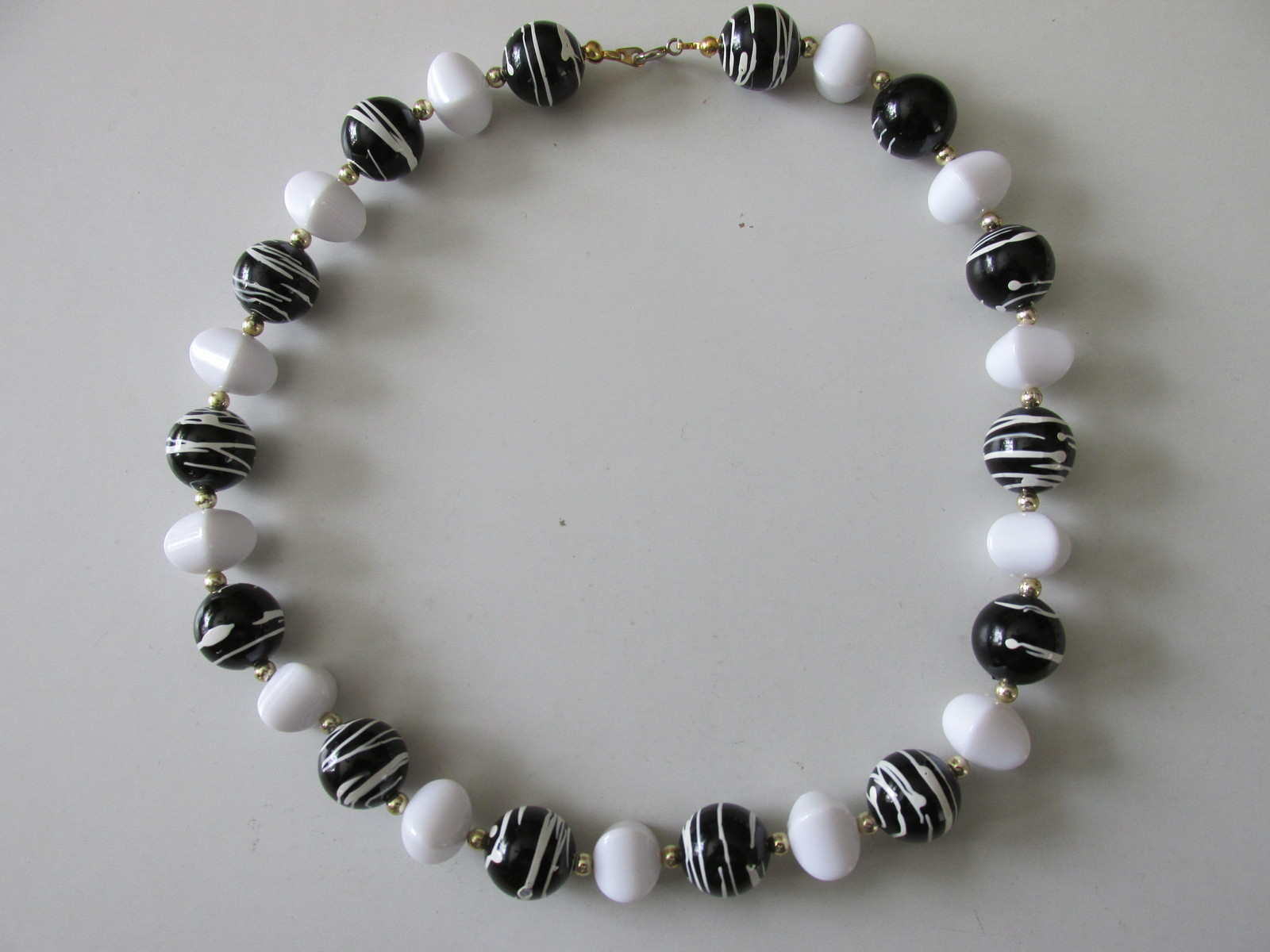 Black & White Retro / Vintage Plastic Beaded Necklaces - A Great Look!