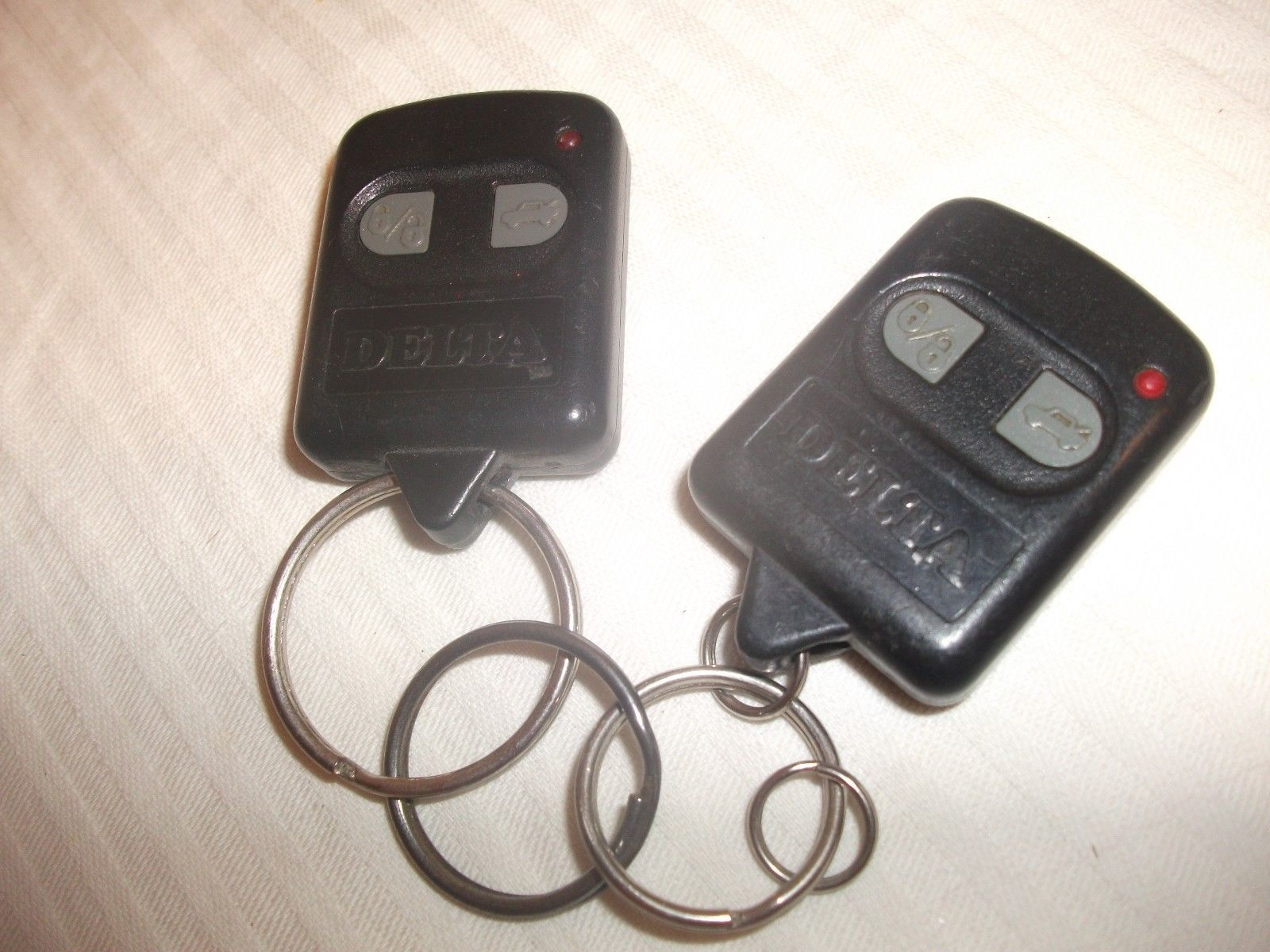 Primary image for Lot Oldsmobile DELTA keyless entry remote controller transmitter keyfob FOB USED