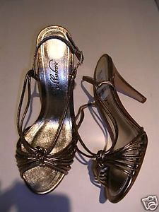 Primary image for Ragazza Gold Metal TWIST Ladies Sandals 8M NIB