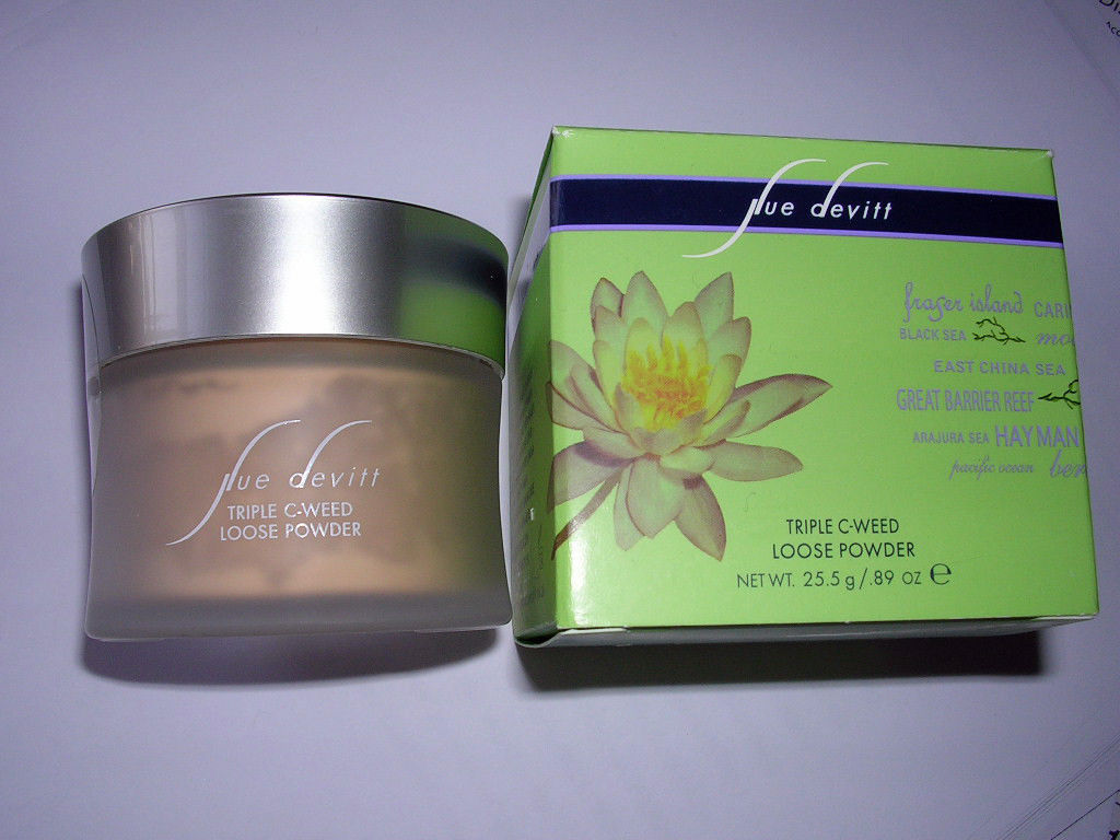 Primary image for Sue Devitt Triple C-Weed Loose Powder QUIET & STILL Light  .89 oz/25.5g  NIB