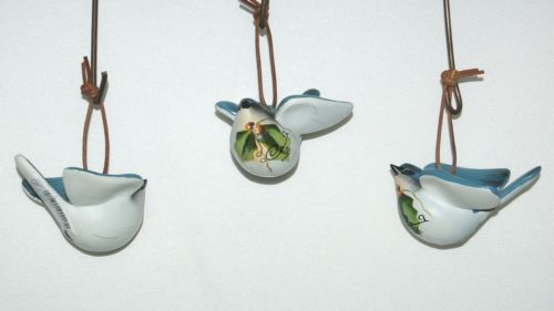 Unbranded 37300 Paint Bird Christmas Ornament Leather Hanger Blue Set of 3