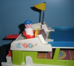 Vintage Fisher Price #985 Play Family Houseboat Complete/NEAR MINT! (M) image 2