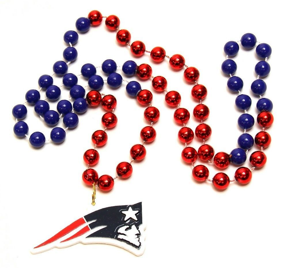 NEW ENGLAND PATRIOTS MARDI GRAS BEADS with MEDALLION NECKLACE NFL FOOTBALL