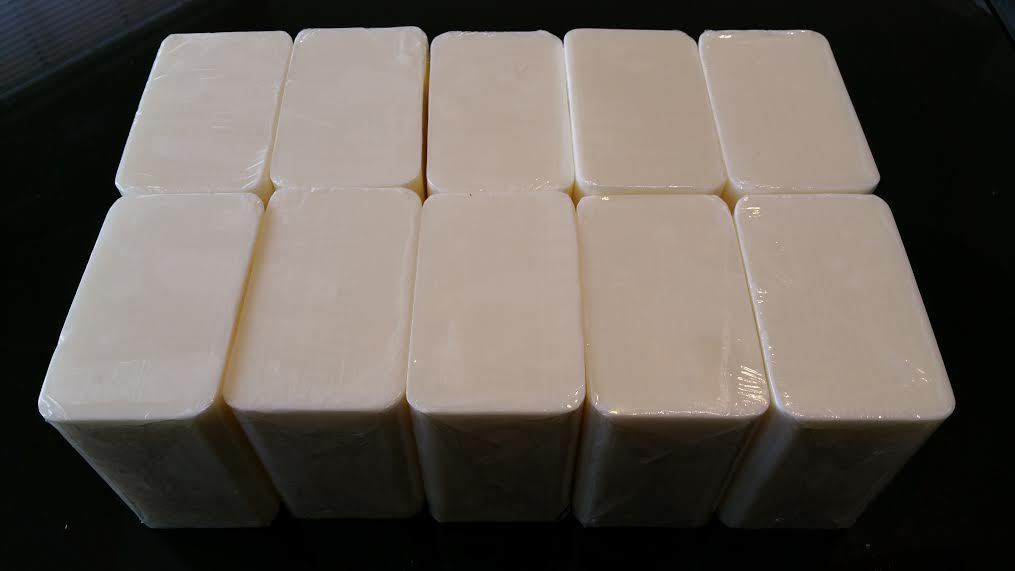 Goat s milk melt pour soap