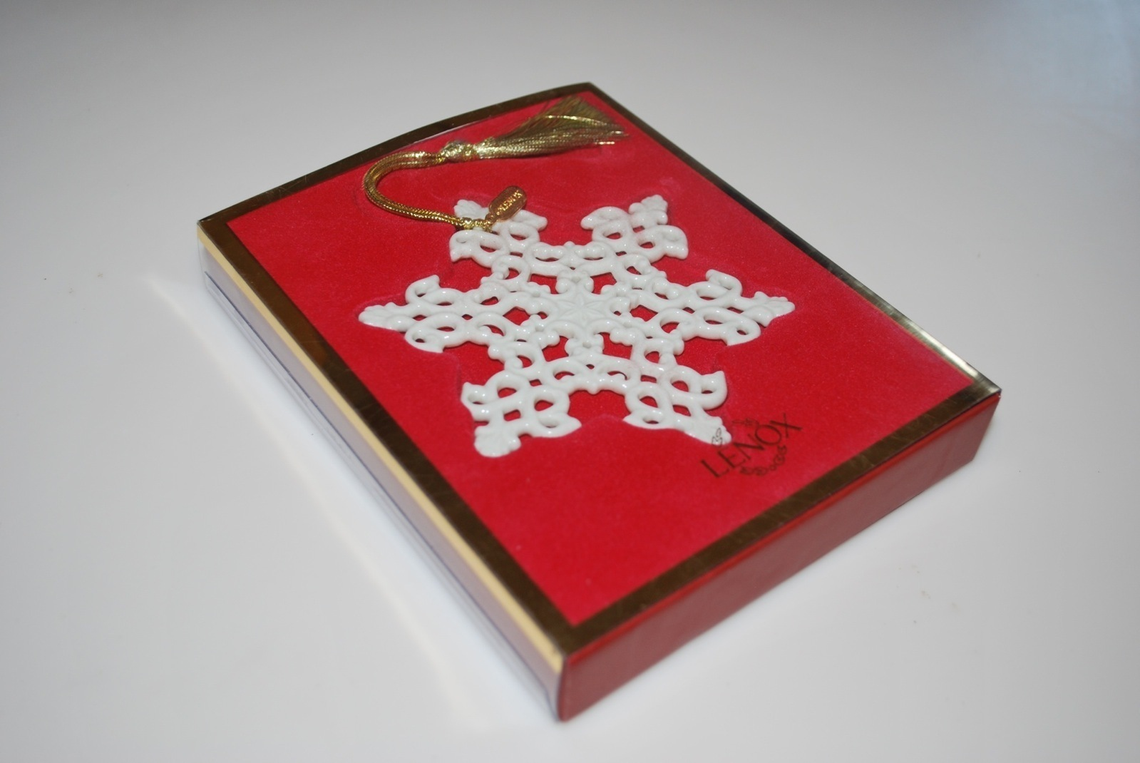 Lenox Snow Fantasies Snowflake Ornament in Box 4""