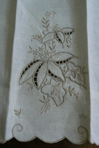 VTG Madeira style Hand made Linen Embroidery towel Cloth Placemat doily - $39.00