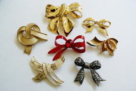 Lot of 7 Gold Silver Tone & Red Fancy Holiday Fashion ribbon Bow pin brooch - $39.00