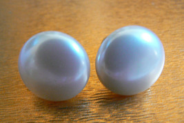 Vintage Retro Gold Tone White Pearl Faux Clip On Earrings - $15.20