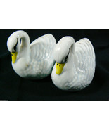 VINTAGE FIGURAL SWAN COUPLE SALT & PEPPER SHAKERS PAIR ~~PRETTY~~ - $23.20