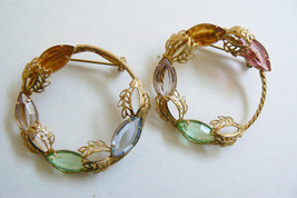 VTG RETRO  LOT OF 2 GOLD TONE METAL WREATH DESIGN CRYSTAL STONES PIN BROOCH - $25.00