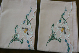 """VTG 1940's Set of 2 Pink Pillow Cases Embroidery Lilly / Flowers 20"""" X 29"""" - $39.00"""