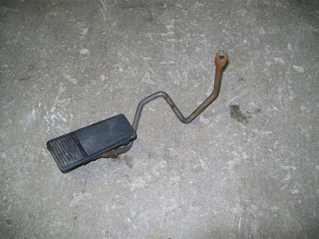 Primary image for 87-96 Chevy Beretta Gas Pedal Assembly 95 94 93 92 91