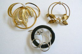 VTG RETRO W GERMAN LOT OF 3 GOLD TONE METAL PEARL FAUX  CRYSTAL PIN BROOCH - $30.00