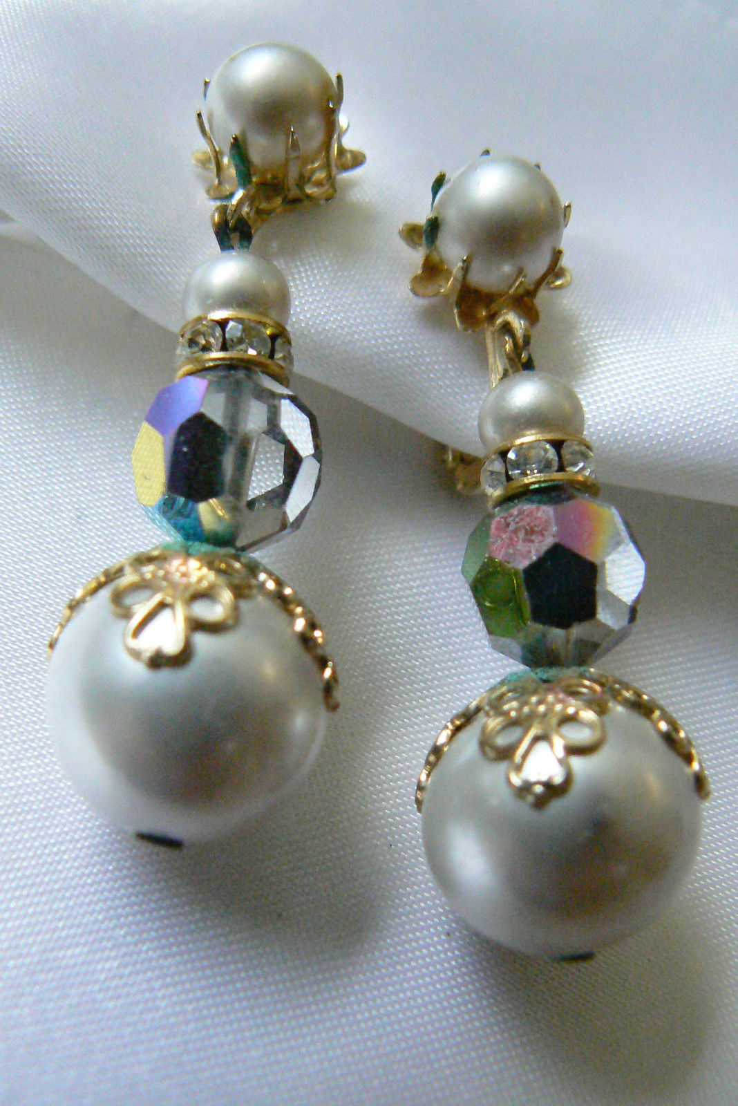 Primary image for Vendome gold tone Auroral Borealis white Pearl faux Bead drop clip Earrings