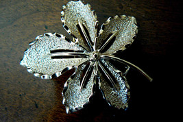 SARAH COV COVENTRY GOLD TONE METAL  LEAF PIN BROOCH - $29.00
