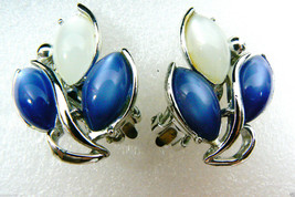Vintage Silver Tone Metal Blue & White Floral Design Clip On Earrings - $31.20