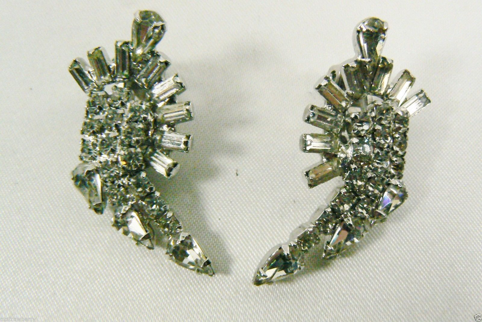Primary image for VINTAGE SILVER TONE METAL CRYSTAL RHINESTONE CROWNED DESIGN CLIP EARRINGS
