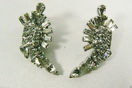 VINTAGE SILVER TONE METAL CRYSTAL RHINESTONE CROWNED DESIGN CLIP EARRINGS - $63.20