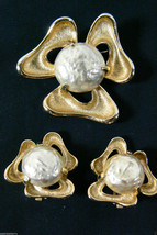 Vintage Sarah Coventry Gold Pearl Faux Flower Pin Brooch & Earring Clip On Set - $63.20