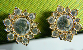 VTG NAPIER GOLD TONE METAL CLEAR CRYSTAL RHINESTONE ROUND SCREW CLIP EAR... - $28.00