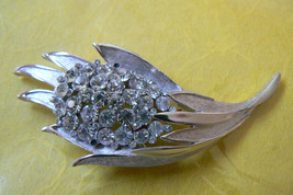 VINTAGE CROWN TRIFARI SILVER TONE CLEAR CRYSTAL PHINESTONES PIN BROOCH - $49.95