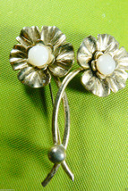 VTG DOUBLE FLOWER SILVER TONE WHITE STONE PIN BROOCH - $29.99