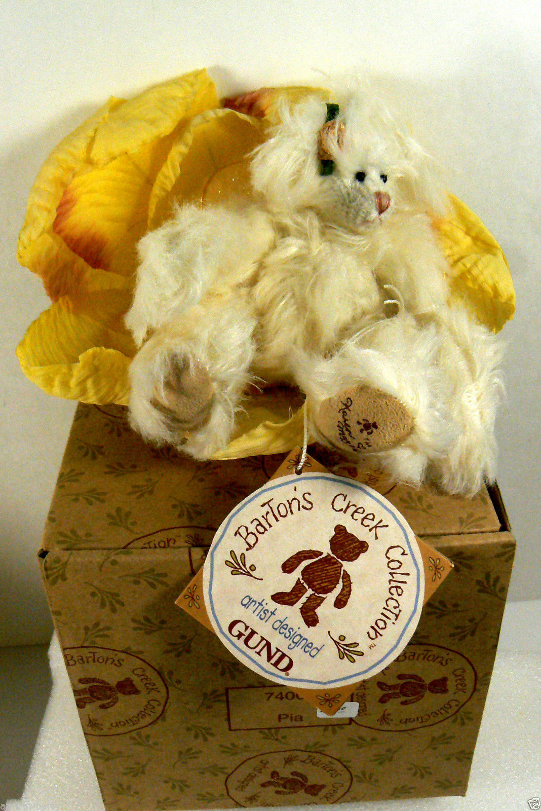 Primary image for Bartons Creek Collection Gund jointed bear Pia with flower Toy Plush 6""