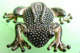 Silver Plate metal great frog pin brooch - $39.00