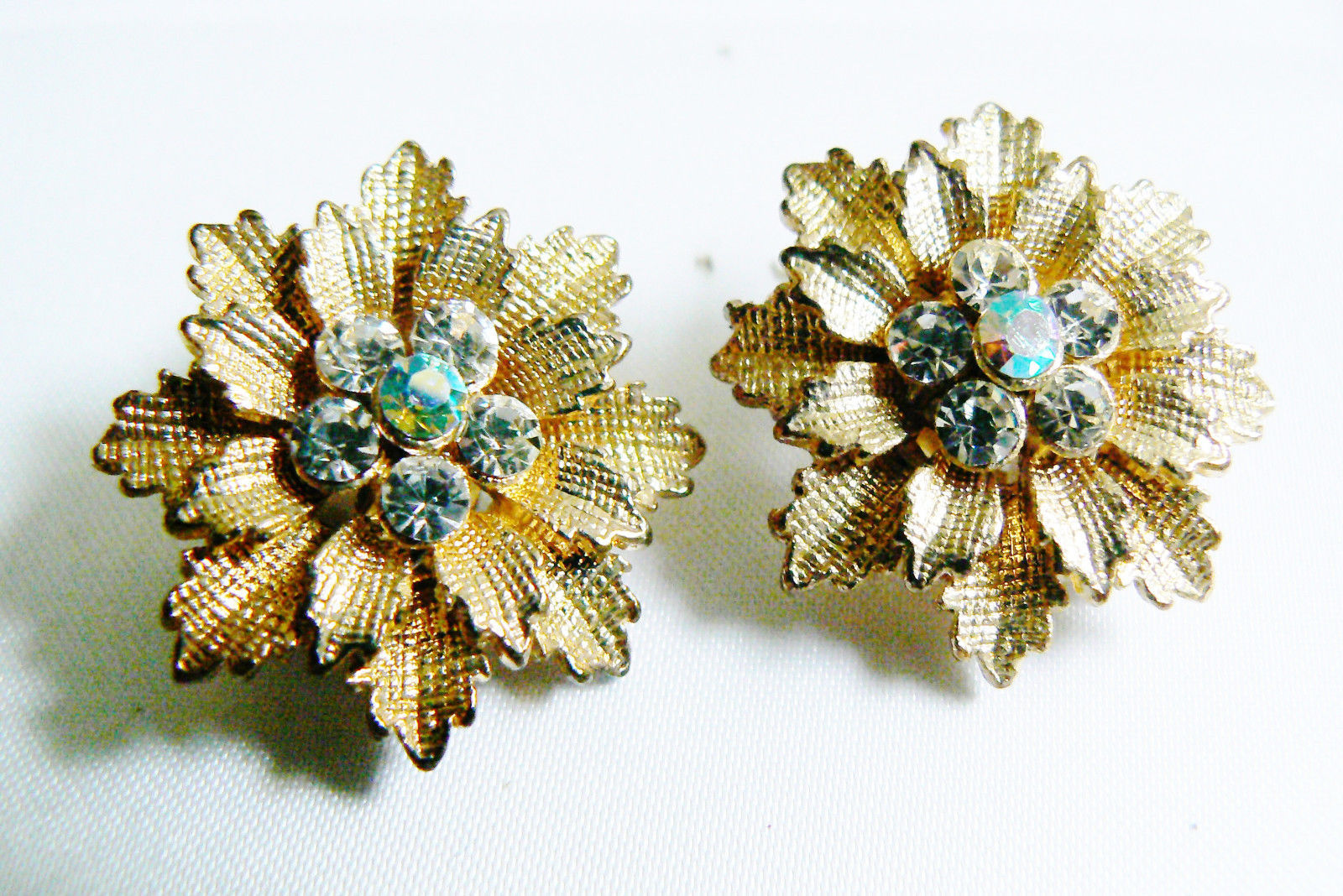 Primary image for VTG gold tone Festive color crystal Rhinestones flower clip earrings