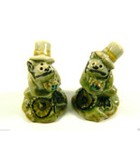 VINTAGE FROG W HAT GLAZED GREEN  SALT & PEPPER SHAKERS PAIR ~~CUTE & NICE~~ - $23.20
