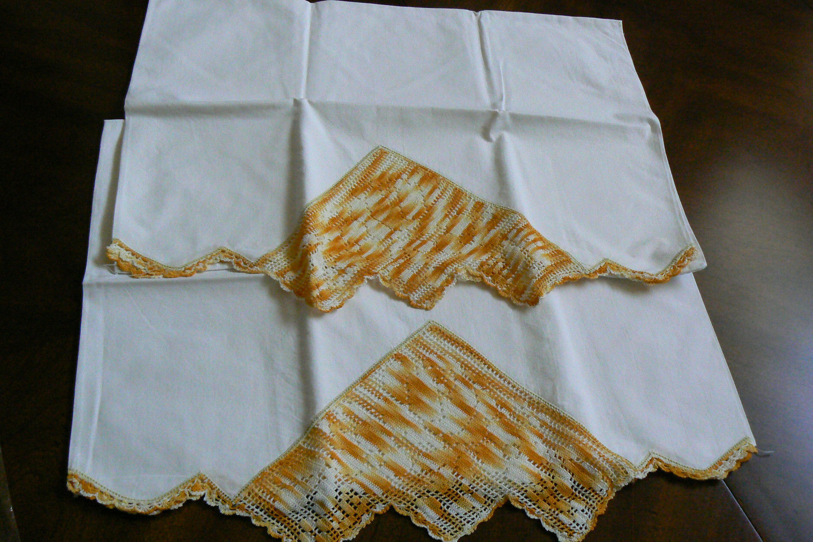 "Primary image for Vintage Set of 2 Pillow Cases  Crochet  Embroidery Orange Lace 28.5"" X 20.5"""