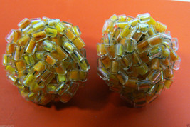 VINTAGE JAPAN BEADS YELLOW ORANGE ROUND CLUSTER CLIP ON EARRINGS - $31.96