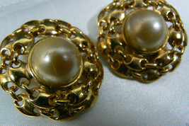 Gold Tone Nautical Chain Pearl Faux Large Round Clip On Earrings - $31.20