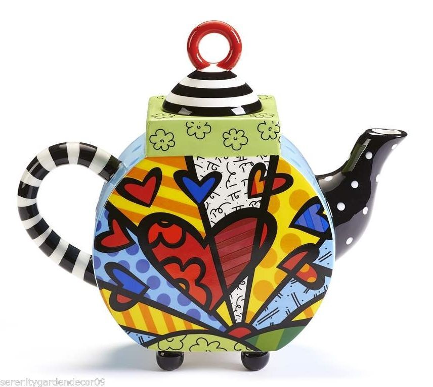 "Romero Britto Hearts  "" A New Day "" Teapot  XLarge 63 oz Size  NEW"