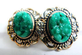 ELEGANT GOLD TONE GREEN GLASS CARVED FLORAL SWIRL CLIP EARRINGS - $31.96