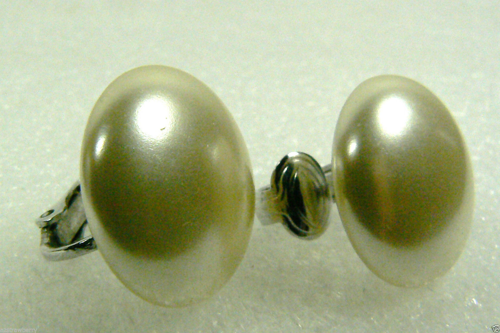 SARAH COVENTRY COV SIGNED WHITE PEARL FAUX SILVER TONE CLIP EARRINGS $0 SHIPPING