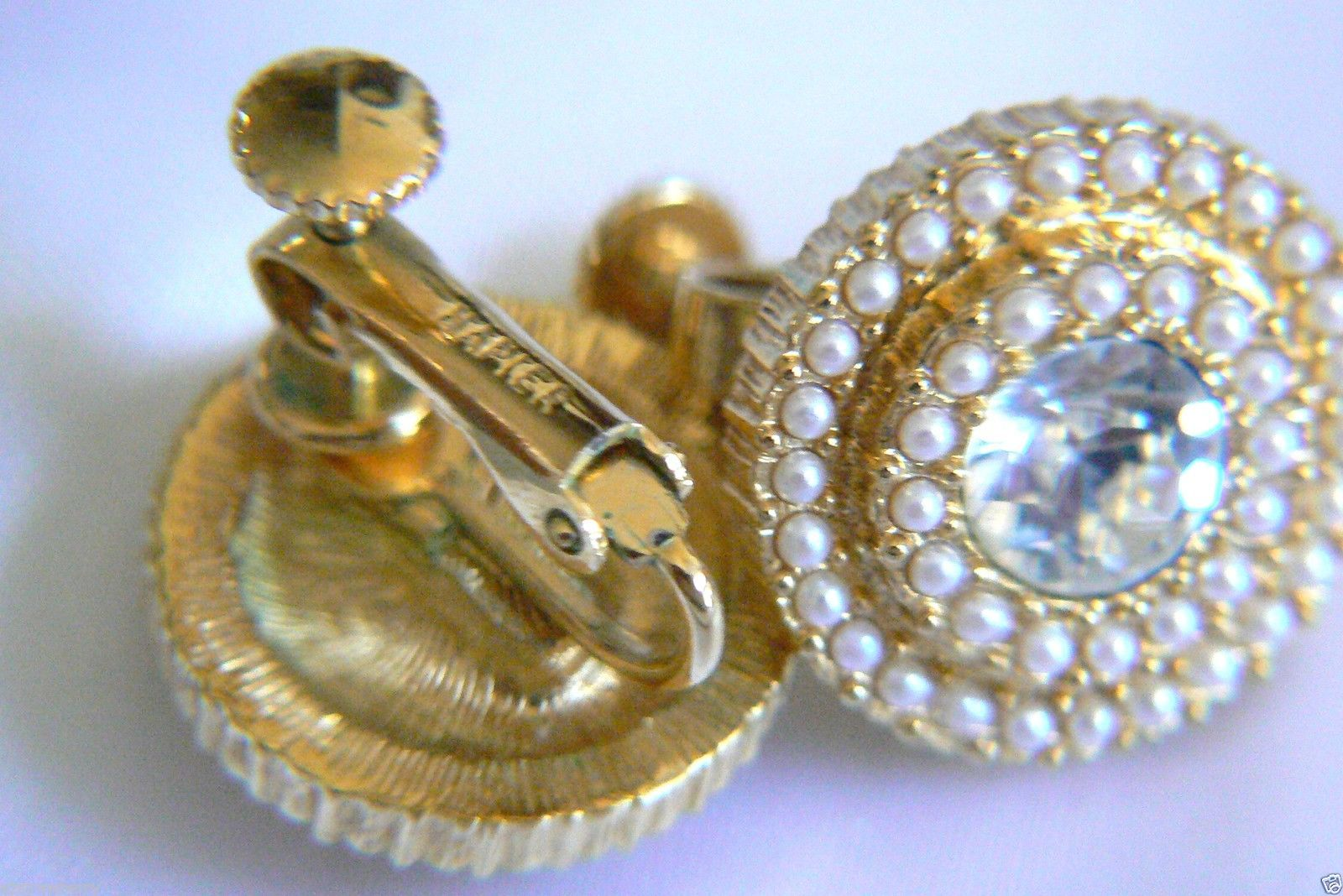 NAPIER ELEGANT GOLD TONE WHITE PEARL FAUX CRYSTAL SCREW CLIP EARRINGS $0 SH
