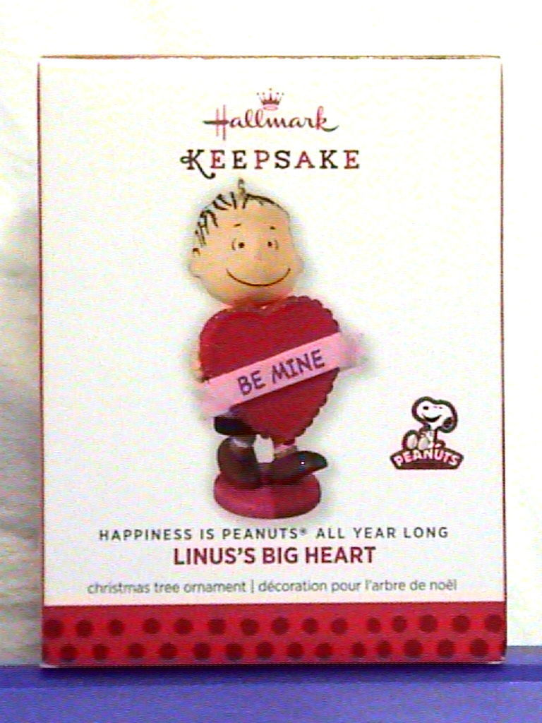 Primary image for Hallmark Linus's Big Heart Valentine's Day Peanuts Ornament 2014 - UPC Ink Line