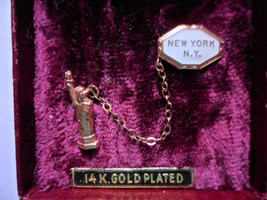 Vintage Statue of Liberty New York City Lapel Pin 2 Piece Enamel 14K gold plated - $15.63