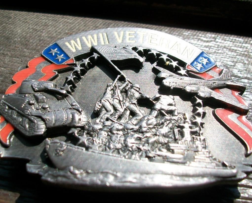 VINTAGE BELT BUCKLE~ WW2 VETERAN~SISKIYOU~1992~TRADEMARK~
