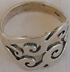 Pitulim silver ring 1