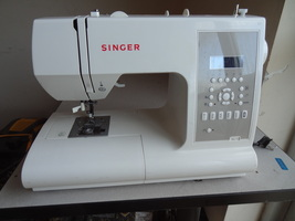 SINGER  SEWING MACHINE 7470 CONFIDENCE COMPUTERIZED USED WORKS WELL BARE... - $109.99