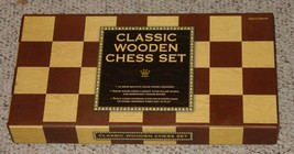 CHESS CLASSIC WOODEN CHESS SET GAME BARNES & NOBLE COMPLETE EXCELLENT - $30.00