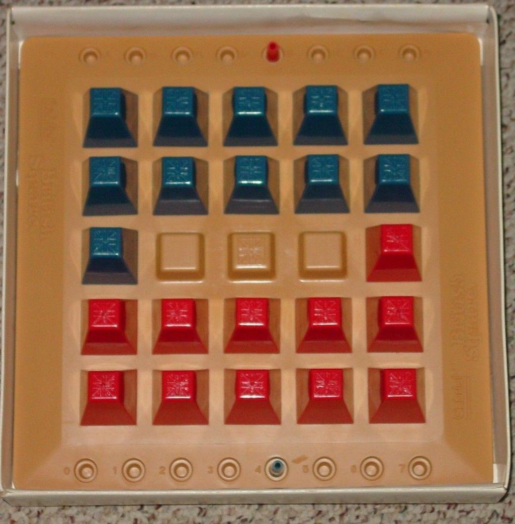 BRITISH SQUARE STRATEGY GAME VINTAGE  1978 GABRIEL COMPLETE EXCELLENT