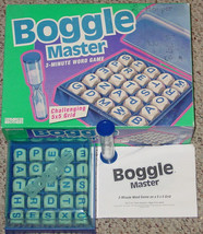 BOGGLE MASTER Game Hidden Word Game 1993 Parker Brothers 5 X 5 GRID COMP... - $20.00