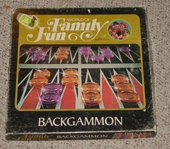 BACKGAMMON GAME WORLD OF FAMILY FUN HASBRO 1973 COMPLETE EXCELLENT - $20.00