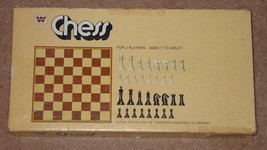 CHESS GAME 1975 WHITMAN WESTERN PUBLISHING KING 3 1/8 INCH  COMPLETE - $12.00