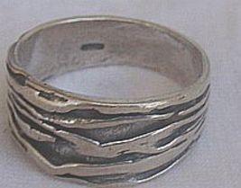 An silver ring thumb200